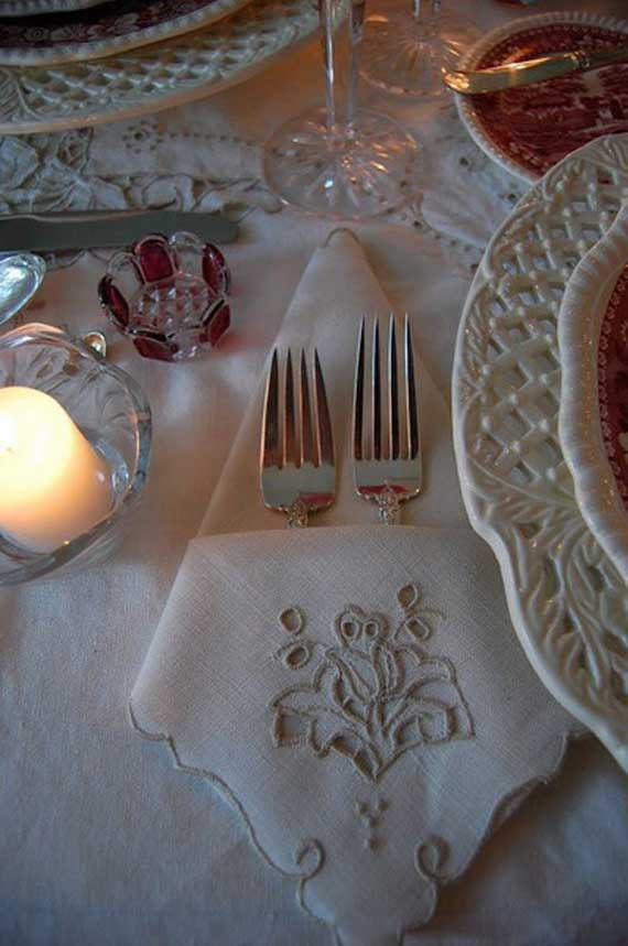 Creative Napkin Folds for Your Holiday Table (48)