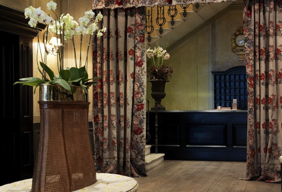 Extraordinary Atmosphere In Covent Garden Hotel_20