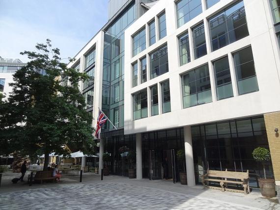 Inside New Luxury Boutique Hotel Ham Yard In London_6