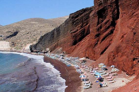 The-Stunning-Santorini-Island-Greece-Santorinis-Red-Beach_2