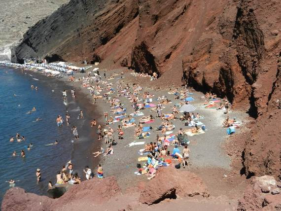The-Stunning-Santorini-Island-Greece-Santorinis-Red-Beach_4