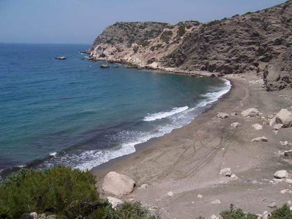 The-Stunning-Santorini-Island-Greece-_Monolithas-beach_3