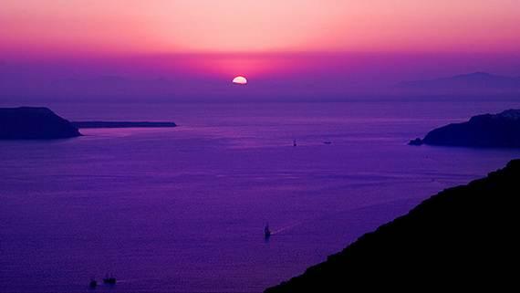 The-Stunning-Santorini-Island-Greece_03