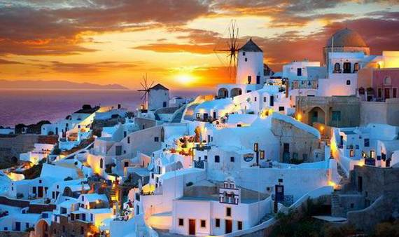 The-Stunning-Santorini-Island-Greece_09