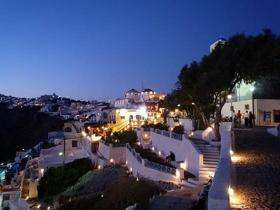The-Stunning-Santorini-Island-Greece_13