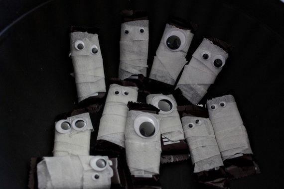35 Spooky and Fun DIY Halloween Crafts Ideas _39