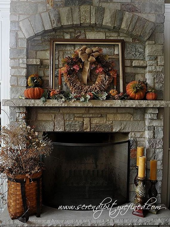 35 Gorgeous Holiday Mantel Decorating Ideas with Pine cones_20
