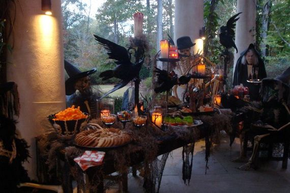 36 spooky halloween decoration ideas for your home_02 - Spooky Halloween Decorations