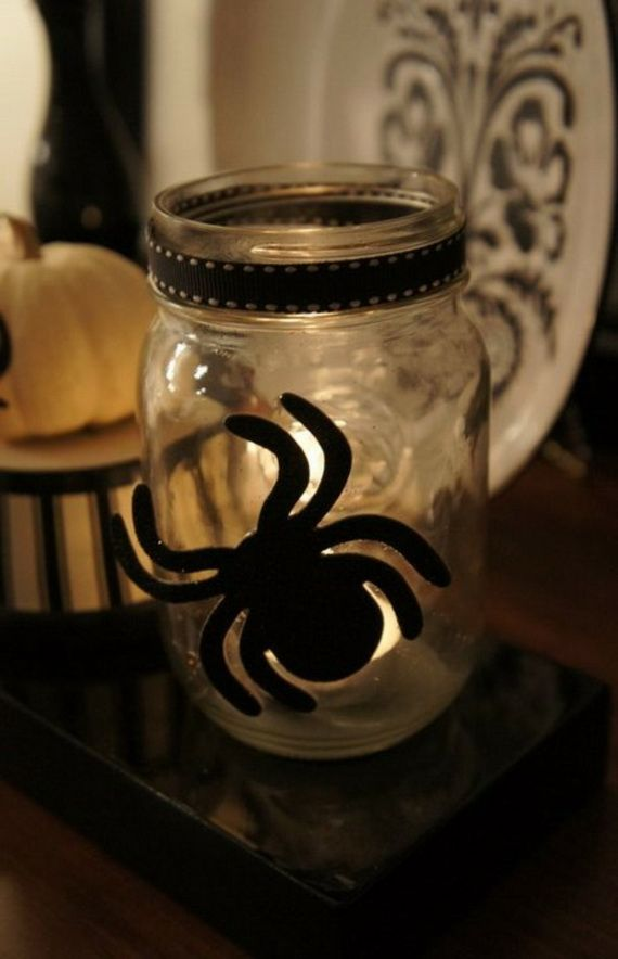36 Spooky Halloween Decoration Ideas For Your Home_35