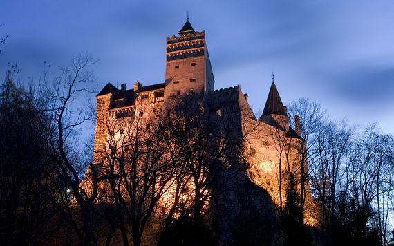 Best Destinations for Halloween Bran Castle - Dracula's Castle_04