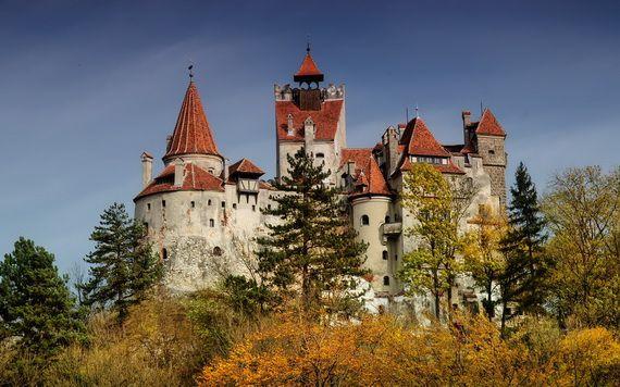 Best Destinations for Halloween Bran Castle - Dracula's Castle_05