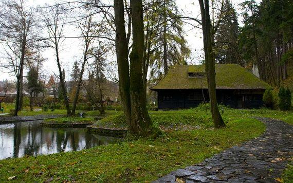 Best Destinations for Halloween Bran Castle - Dracula's Castle_09