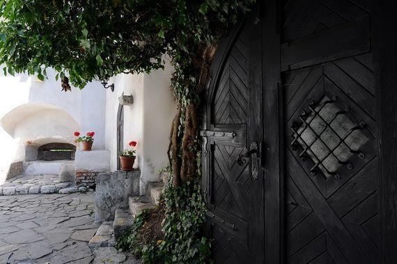 Best Destinations for Halloween Bran Castle - Dracula's Castle_21