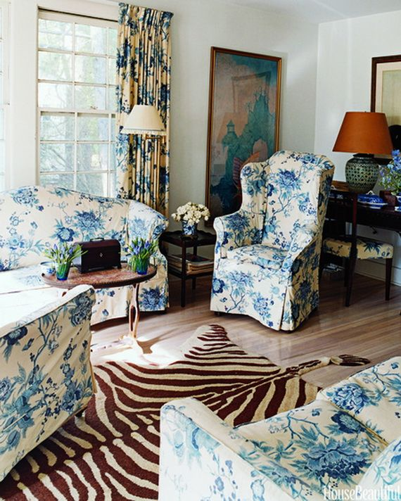 DECORATING WITH BLUE AND WHITE_092
