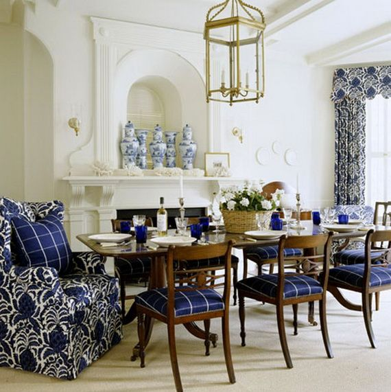DECORATING WITH BLUE AND WHITE_097