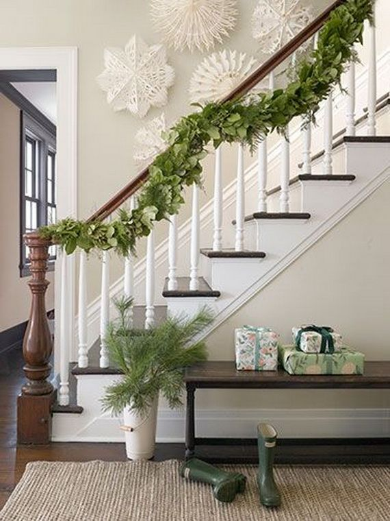 Festive Holiday Staircases and Entryways_09