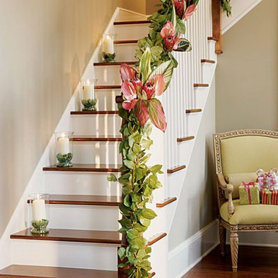 Festive Holiday Staircases and Entryways_22