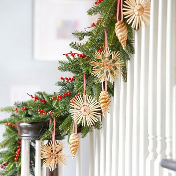 Festive Holiday Staircases and Entryways_45