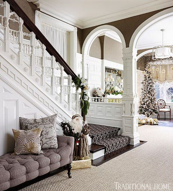 Festive Holiday Staircases and Entryways_88