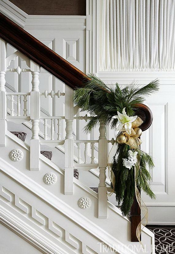 Festive Holiday Staircases and Entryways_89