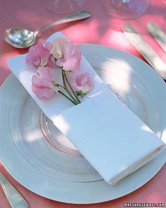 Napkin Folding – Seasonal Ideas For Table Decoration_12