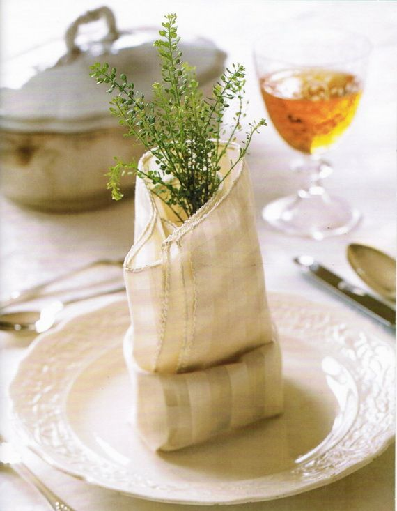 Napkin Folding – Seasonal Ideas For Table Decoration_29