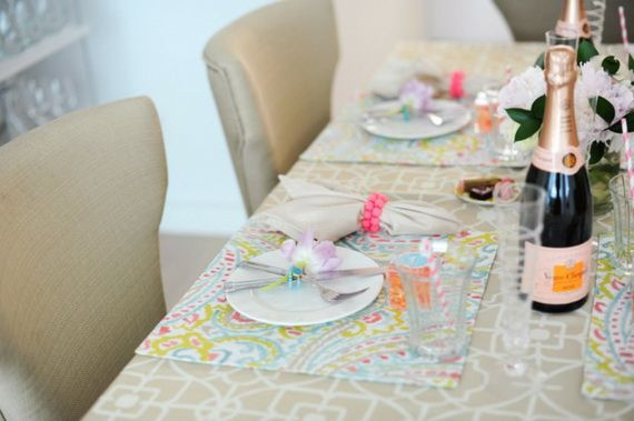 Napkin Folding – Seasonal Ideas For Table Decoration_47