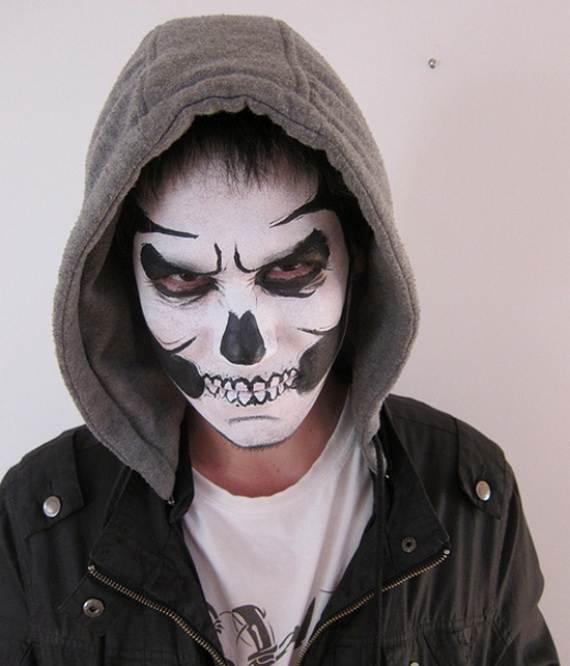 pretty-and-scary-halloween-makeup-ideas-for-the-whole-family-a-50