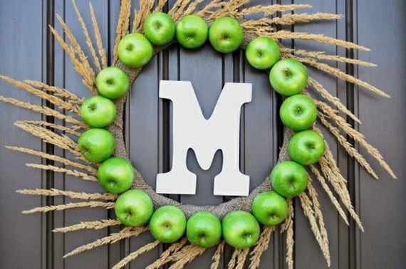 Splendid Fall Wreaths & Door Decoration Ideas And Inspiration_018