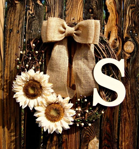 Splendid Fall Wreaths & Door Decoration Ideas And Inspiration_042