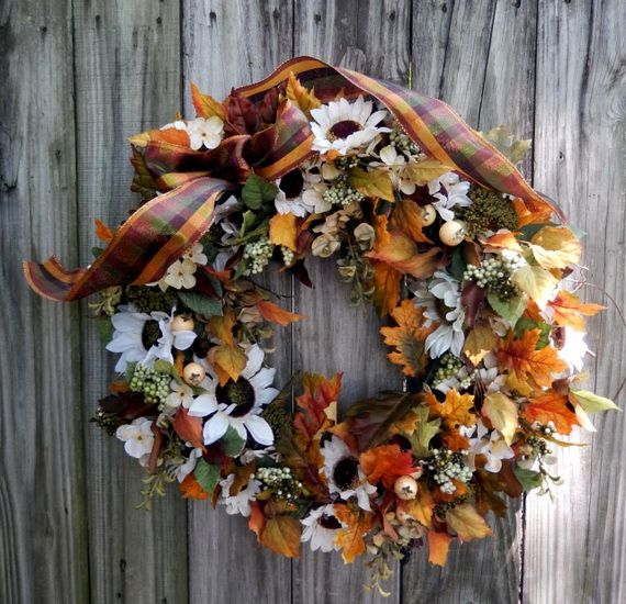Splendid Fall Wreaths & Door Decoration Ideas And Inspiration_074