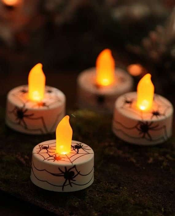 Spooky-Halloween-Lighting-Candles-Decoration-Ideas-_47