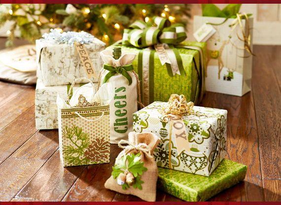 Traditional-Christmas-Gift-Basket-Idea_30