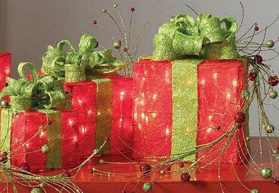 Traditional-Christmas-Gift-Basket-Idea_34