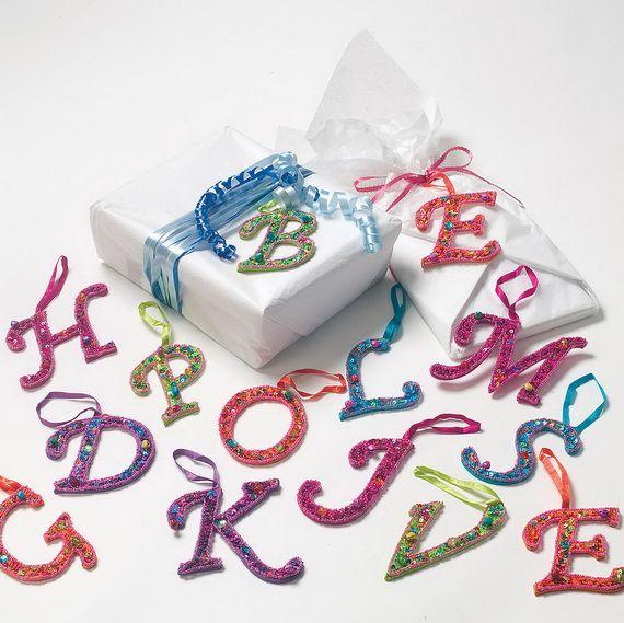 Traditional-Christmas-Gift-Basket-Idea_36
