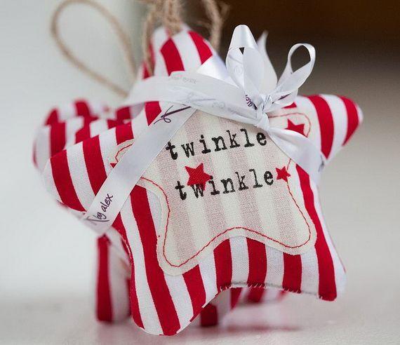 Traditional-Christmas-Gift-Basket-Idea_38