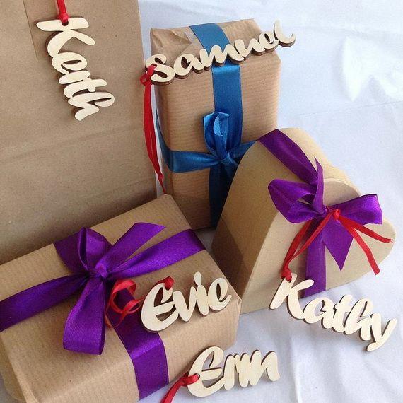 Traditional-Christmas-Gift-Basket-Idea_39