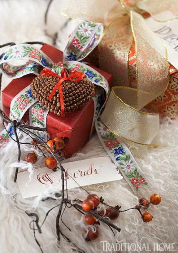 Traditional-Christmas-Gift-Basket-Idea_43