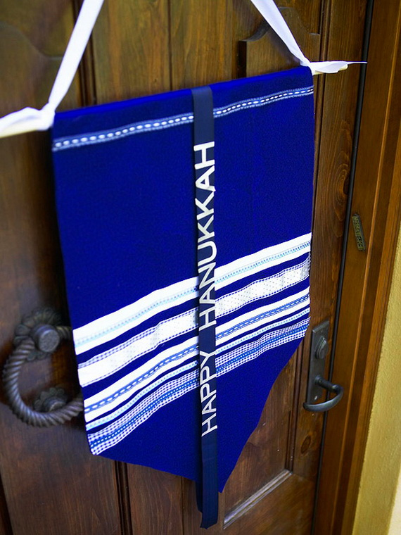 Classic and Elegant Hanukkah decor ideas_08