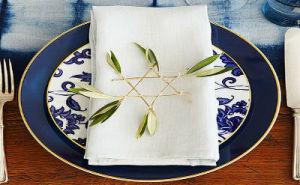 Classic and Elegant Hanukkah decor ideas_13