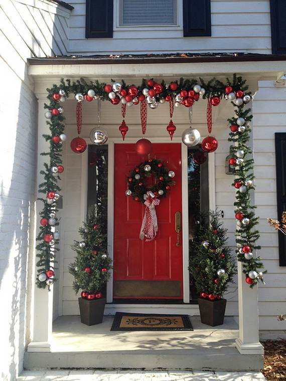 Cool Diy Decorating Ideas For Christmas Front Porch_11