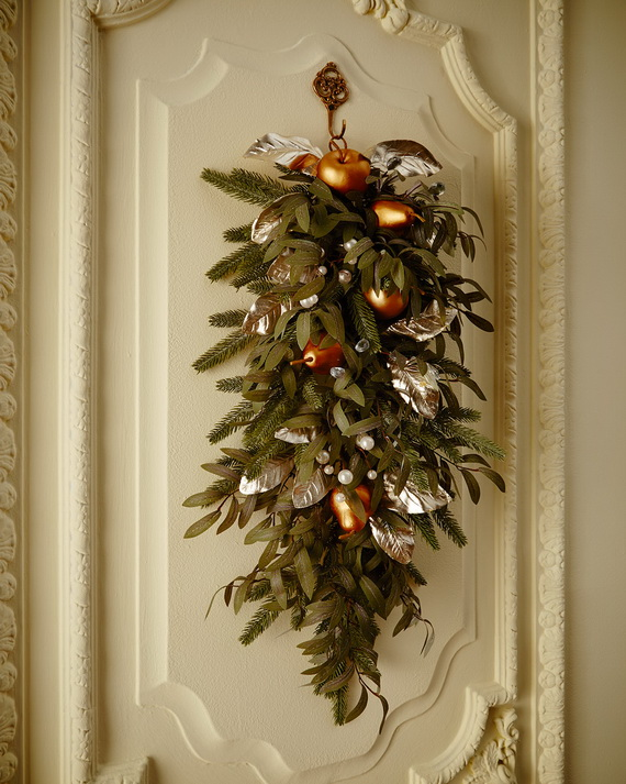 Creative Holiday In Gold Decorating Ideas_19