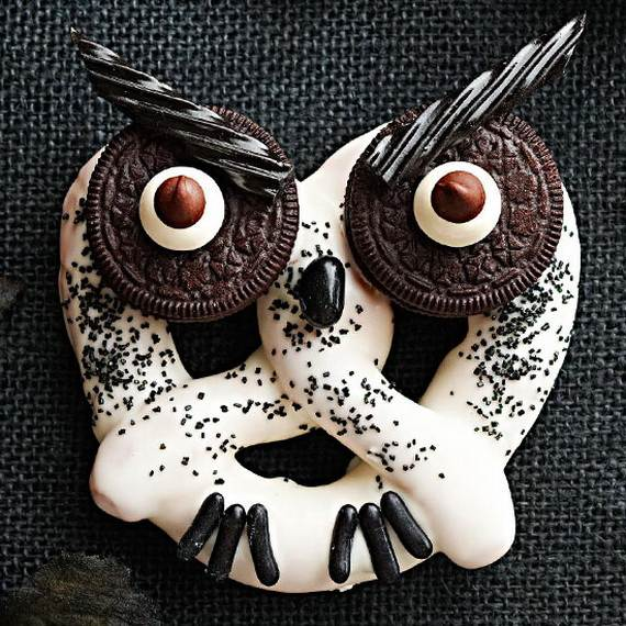Creepy-Halloween-Ideas-50-Edible-Decorations-for-Halloween-Party-Table_23