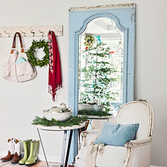 Festive Holiday Decor Ideas for Small Spaces (16)