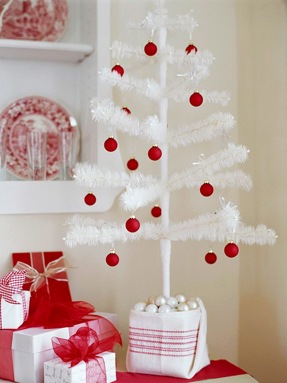 Festive Holiday Decor Ideas for Small Spaces (29)