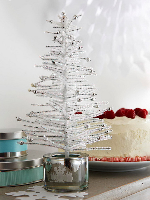 Festive Holiday Decor Ideas for Small Spaces (32)
