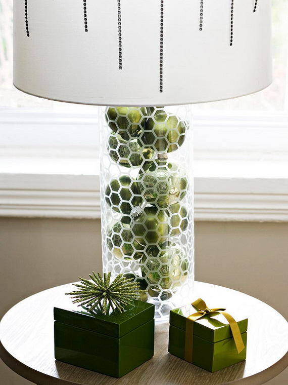 Festive Holiday Decor Ideas for Small Spaces (35)