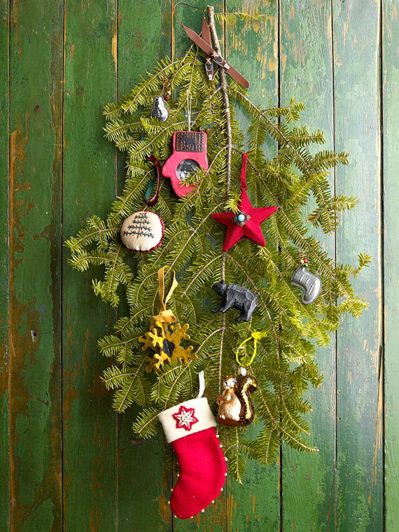 Festive Holiday Decor Ideas for Small Spaces (37)