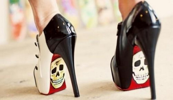 Gorgeous Halloween Wedding Shoes Inspirations For a Spooky Big Day_04