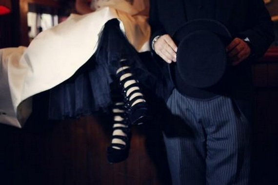 Gorgeous Halloween Wedding Shoes Inspirations For a Spooky Big Day_05